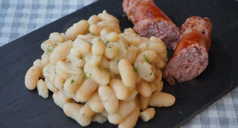 Butifarra con alubias comidas catalanas