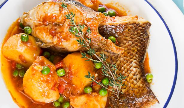 Caldeirada de pescado comida tipica portuguesa