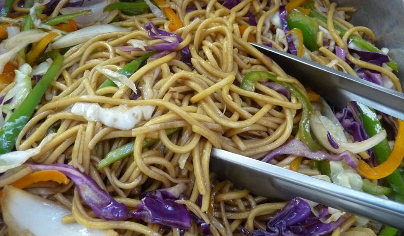 Chow mein comidas chinas