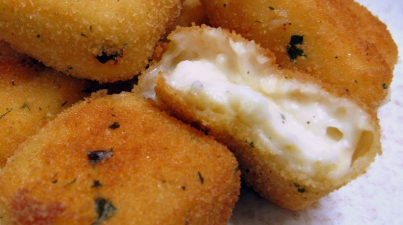 Croquetas de Torta del Casar comida tipica de extremadura