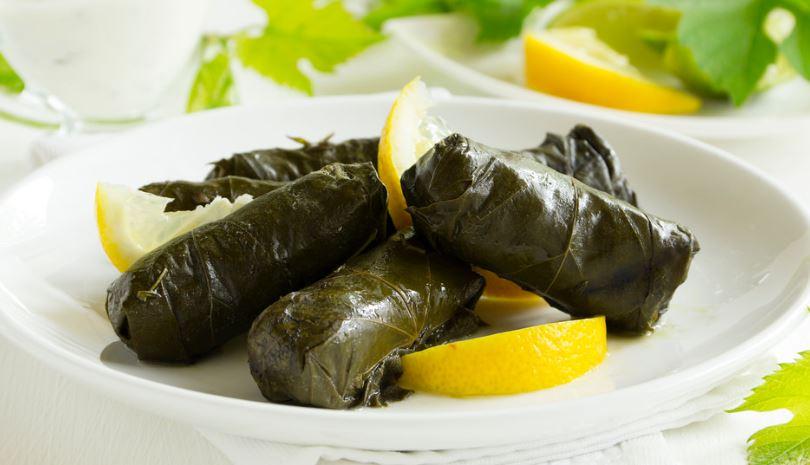 Dolmadakia comida griega tipica
