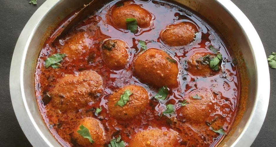 Kashmiri Aloo Dum comida tipica de la india