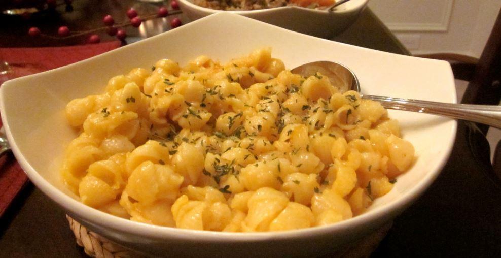 Macaroni and cheese comida canadiense