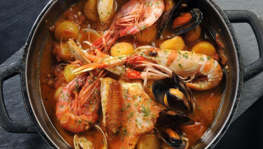 Suquet de peix comida típica catalana