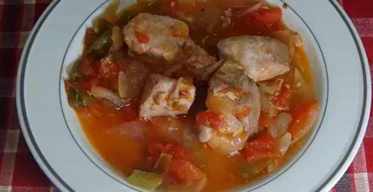 Bonito con tomate a la Riojana gastronomia la rioja