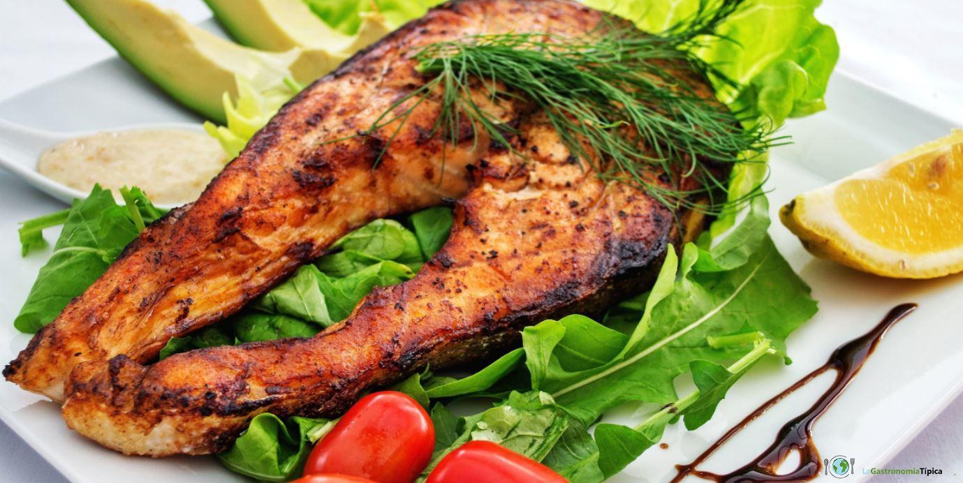 Las comidas y bebidas t picas en almer a la gastronom a for How to make fish food