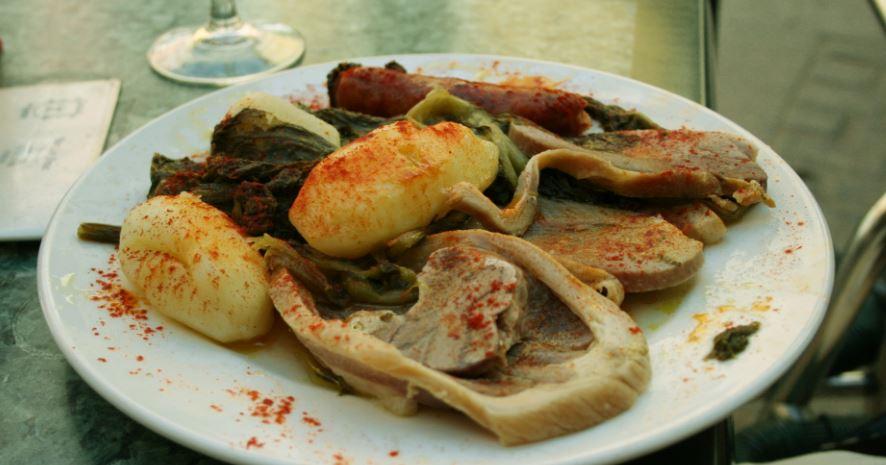 lacon con grelos platos gallegos