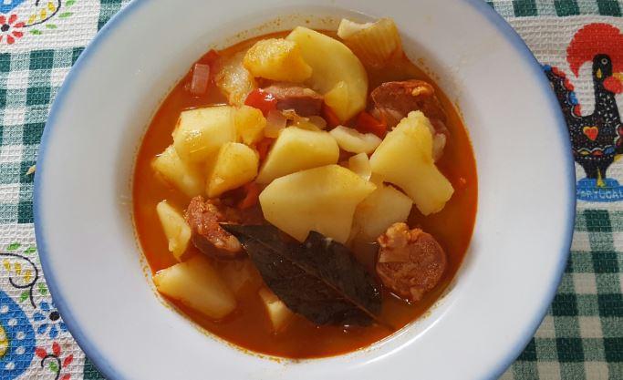 Patatas a la riojana platos tipicos de la rioja