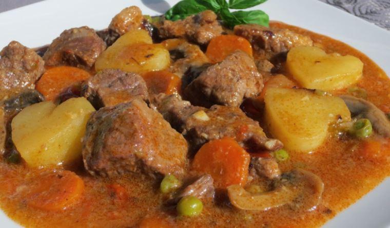 Ragú de carne a la jardinera comida haitiana