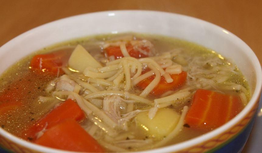 Sopa de pollo la comida mas tipica de Belice