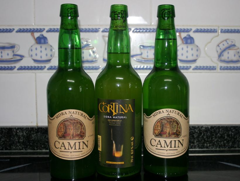 sidra asturiana Bebidas Típicas en Gijón